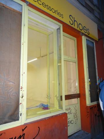 Affittasi negozio 43 mq con ingresso dalla strada accanto for Negozio con costi di alloggio